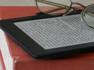 Kindle w glasses